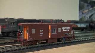 Athearn Genesis HO Southern Pacific C50-7 Bay Window
