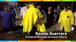 De madrugada Ramón Guerrero recorre zonas afectadas por inundaciones