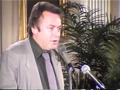 Christopher Hitchens vs Bill Donohue - Homosexuality is a form of love & bigoted crowd response)
