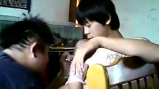 Chinese Guy Screaming while Getting a Tattoo : Lol !