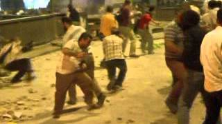 مواجهات عنيفة بين المتظاهرين والشرطة في القاهرة