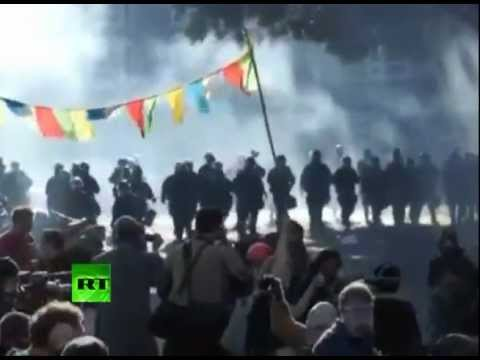 Occupy Oakland video: Police use flashbangs & tear-gas against protesters