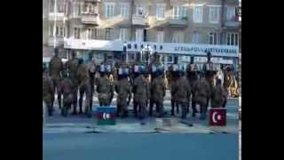 Ermeni askerlerden T�rkiye'ye �irkin hareket 12,11,2013