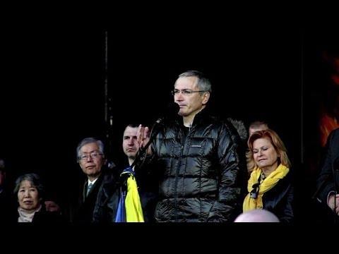 A Kiev, Khodorkovski dénonce la politique de Poutine