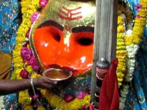 Kaal Bhairav  Drinking Alcohol  (Kaal Bhairav Temple - Ujjain Unedited shot)