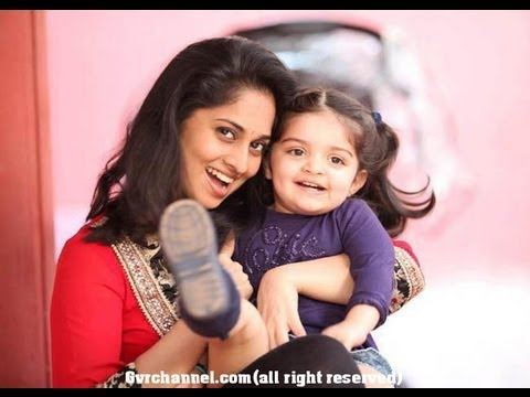 tamil actor Ajith shalini daughter Anoushka pictures