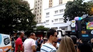 Parada do Orgulho LGBT ganha as ruas do Centro de BH