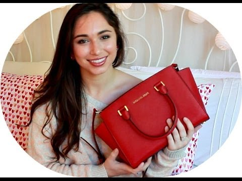 what 39 s in my bag michael kors selma youtube. Black Bedroom Furniture Sets. Home Design Ideas