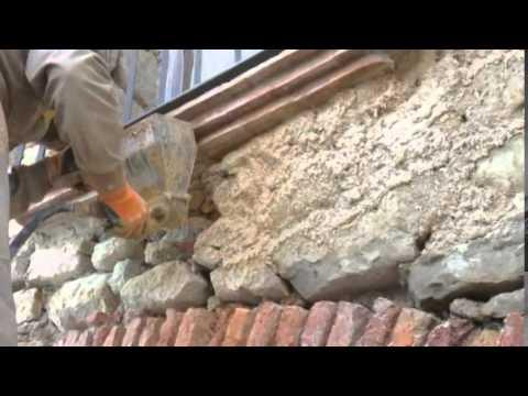 Gunitadora, revocadora lanzadora de mortero para rejuntar muros de piedra