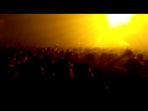 Aaron - Paul Kalkbrenner ( I love techno 2014 - Blue Room)