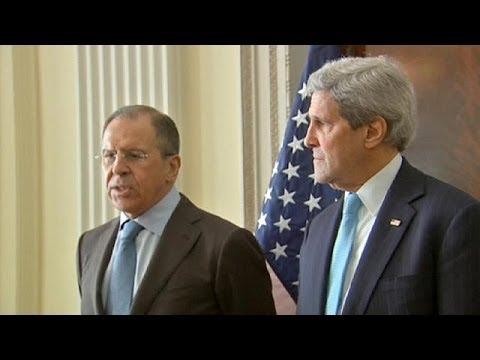 Incontro cruciale a Londra tra Sergei Lavrov e John Kerry sull'Ucraina
