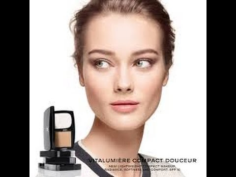 Makeup. Chanel Vitalumiere Compact Douceur. Review