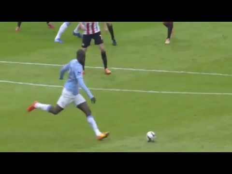 Yaya Touré Amazing goal - Manchester City vs Sunderland 3 1 2/3/2014 HD