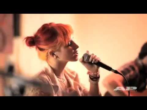 @Paramore - Feeling Sorry (Acoustic AP Sessions ), http://facebook.com/ParamoreMundial http://twitter.com/MundialParamore