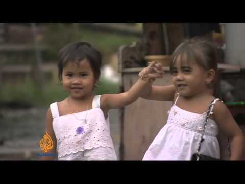 Children struggle to cope after Haiyan
