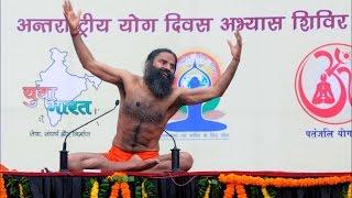 Ramdev Baba to train 250 armymen to teach yoga