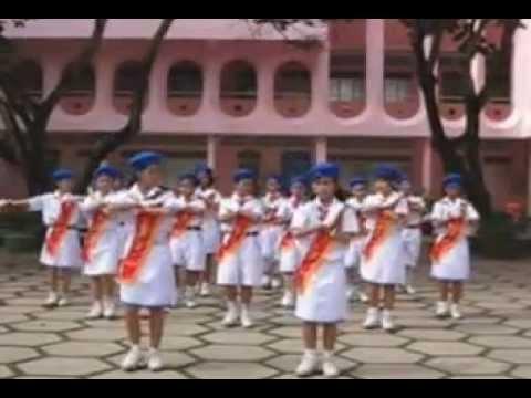 Múa hát sân trường_Hành khúc Đội-Phạm Tuyên