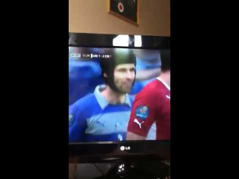 Petr cech WTF moment vs greece