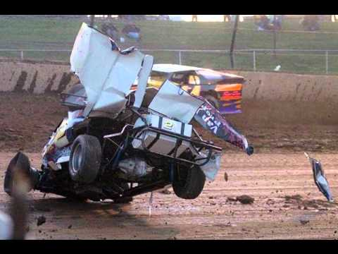 Dirt racing crash's