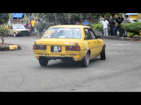Aksi drift dari Old Skool Pahang with MyviX Pahang Save Gaza Event Temerloh