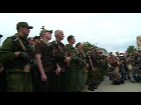 Rebel volunteers ready for Ukraine frontline