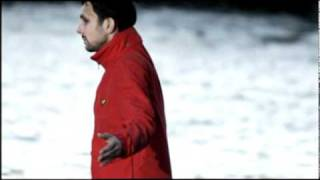 Dynamo Walks Across The River Thames