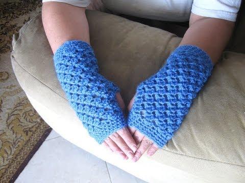 Angel Stitch Fingerless Gloves - Crochet Tutorial