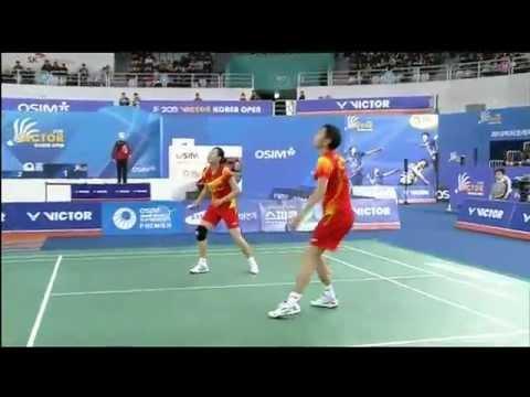 Unbelievable Badminton Double Racket Switch