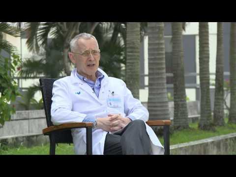 Giáo sư Ricco - bác sĩ hàng đầu thế giới về phẫu thuật mạch máu tại bệnh viện FV