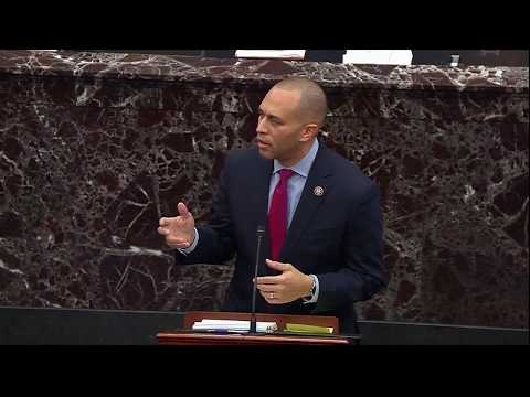 WATCH: Rep. Jeffries jokes about subpoenaing Baseball Hall of Fame over Jeter
