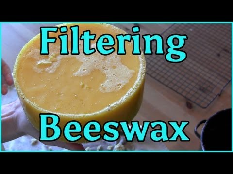 Cleaning Melting and Filtering Beeswax