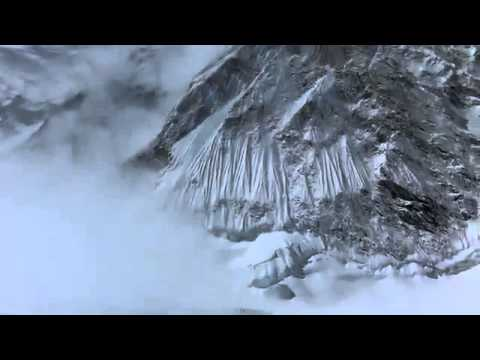 Avalanche Sweeps Mt Everest 2014 April  !