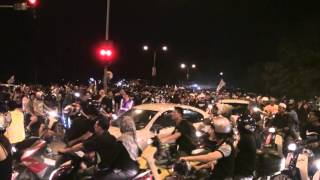Thousands of crowd not able to go into the Stadium Batu Kawan on Penang 511 Rally view on youtube.com tube online.