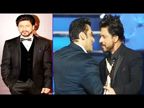 Shahrukh Khan & Salman Khan Together @ 20th Annual Life Ok Screen Awards 2014