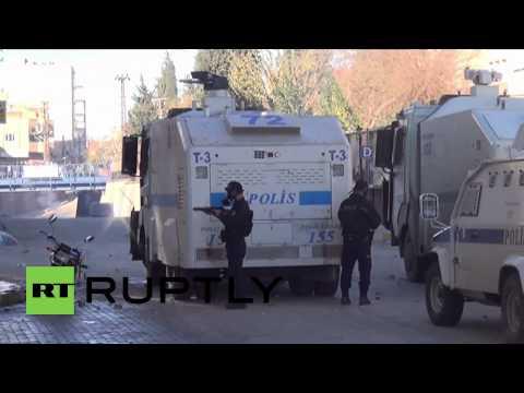 Turkey: Water cannons rain down on Syrian border