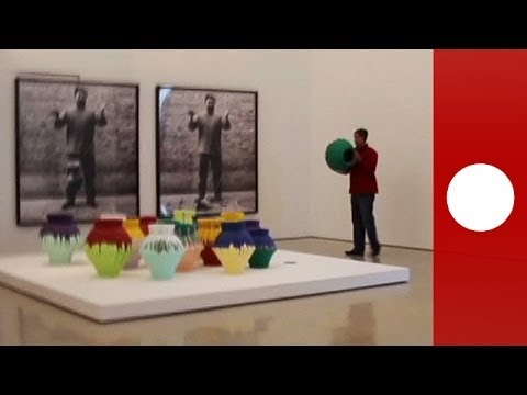 Amateur footage: artist smashes $1 million Ai Weiwei vase in protest