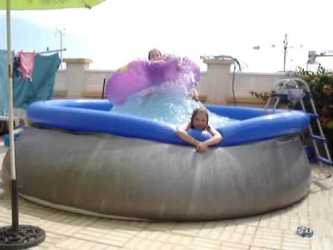 Funny kids paddling pool fun youtube for Best children s paddling pool