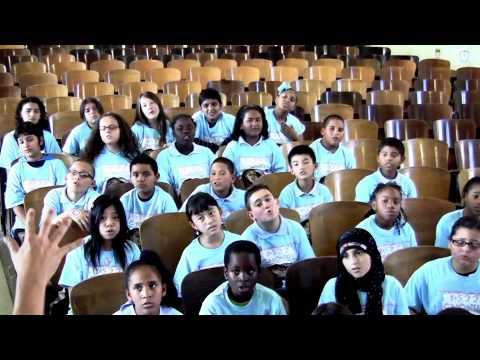 Miniatura del vídeo PS22 Chorus