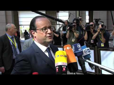 Hollande welcomes Juncker's 300 bn euro EU investment plan