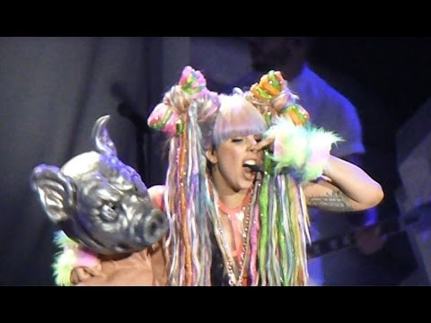 Lady Gaga at Mohegan Sun Arena - 05-10-14 - Vid 06 - Applause, Swine