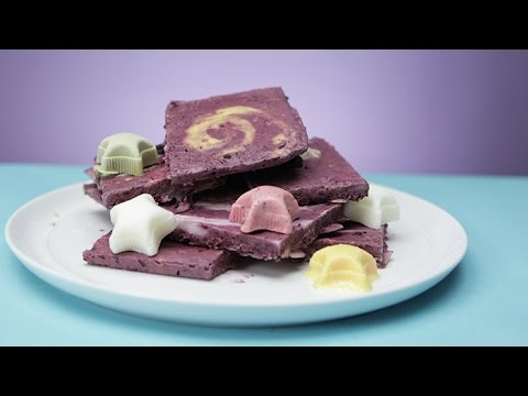 Galaxy Yogurt Bark Will Keep You Full and Fit | Glow