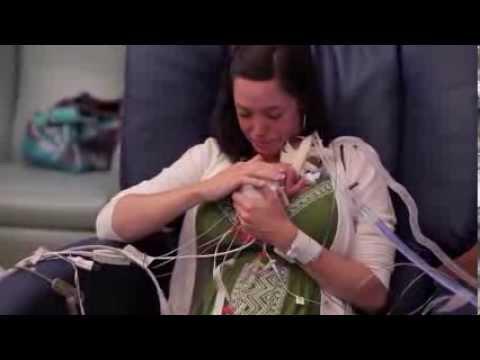 Bebe prematuro cumple un año - Ward Miles
