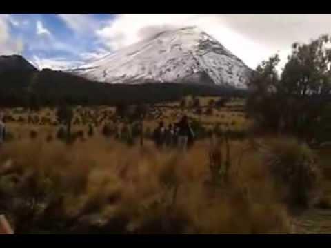 Popocatépetl e Iztaccihuatl desde el Paso de Cortés