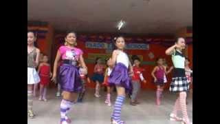 Whoops Kiri Whoops Dance