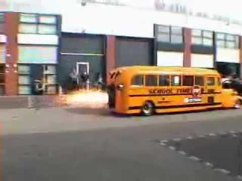 onibus escolar mais rapido do mundo