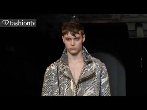 Versace Fall/Winter 2013-14 Menswear Show | Milan Men's Fashion Week | FashionTV, Versace Fall/Winter 2013-14 Menswear Show | Milan Men's Fashion Week CHANNEL http://youtube.com/FashionTV FACEBOOK http://facebook.com/FTV TWITTER http://twi...