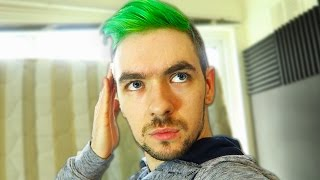 I DYED MY HAIR GREEN!