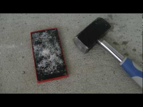 Lumia 920 - Hammer Drop Test