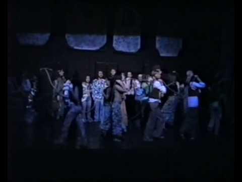 Musical HAIR- DEIXA O SOL ENTRAR - GRUPO INSTÁVEL DE TEATRO