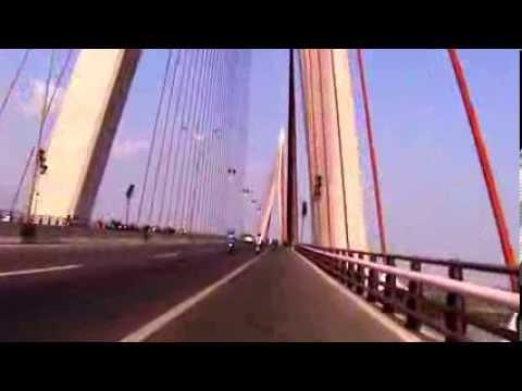 Qua Cầu Cần Thơ hướng về SG